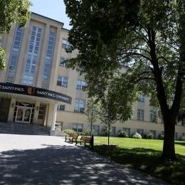 Les inscriptions en hausse de 19 % à l'Université Saint-Paul