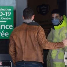 Le nombre d'hospitalisations est en baisse en Ontario