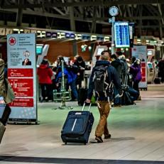 Moins d'employés bilingues dans les aéroports