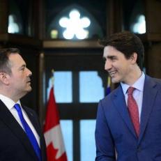 Première rencontre entre Jason Kenney et Justin Trudeau : l