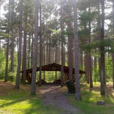 Cabines touristiques dans la forêt Larose ?