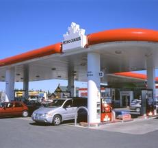 Des autocollants anti-taxe carbone obligatoires d