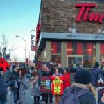 Manifestation devant un Tim Hortons d'Ottawa