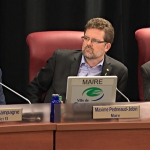 Champagne critique le conseil municipal